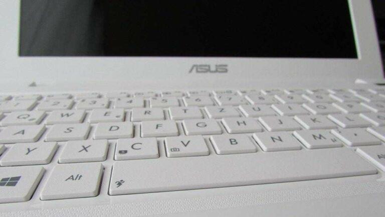 Especialización salva al mercado de PCs y Laptops: ASUS
