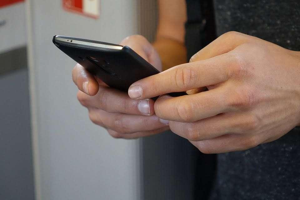 Cuidado al brindar datos sensibles ante una estafa por teléfono