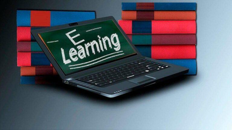 El modelo educativo que requiere el mercado laboral del siglo XXI incluye cursos en línea