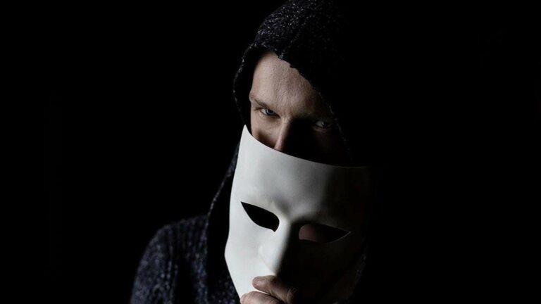 Los adolescentes son más propensos a caer en estafas cibernéticas