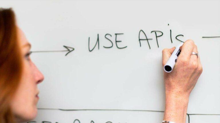 Usa APIs y ve crecer a tu negocio